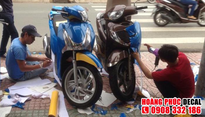 Cửa hàng dán keo xe máy ở TPHCM - Hoàng Phúc Decal